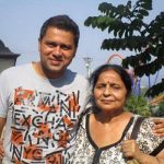 Aakash Chopra with his mother