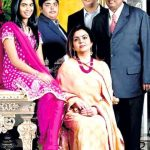 akash-ambani-2nd-from-right-with-his-parents-and-siblings
