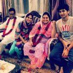 Akbar Rasheed Keluarga ( Father> sister >mother>Akbar Rasheed)