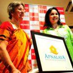 Anjali Tendulkar with her mother during Apnalaya event