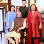 arun-jaitley-with-his-wife-and-children