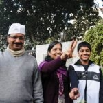 arvind-kejriwal-with-his-wife-and-children