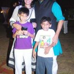 ashutosh-rana-with-his-wife-and-sons