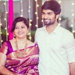 atharvaa-with-his-mother-shobha