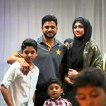 azhar-ali-with-his-wife-and-2-sons
