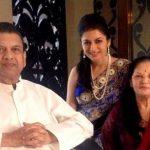 Bhagyashree with her parents