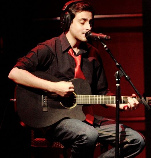 Bilal Khan singing
