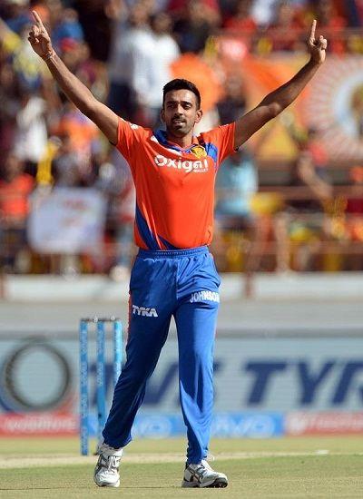Dhawal Kulkarni at IPL 2016 playing for Gujarat Lions