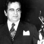 dilip-kumar-with-filmfare-award