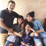 eisha-singh-with-her-family