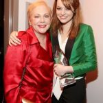 Emma Stone with her mother