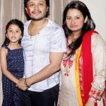 ganesh-with-his-wife-shilpa-barkur-and-daughter-charithrya