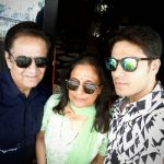 Gaurav Khanna with his Parents