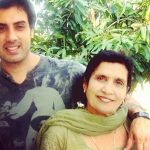 gavie-chahal-with-his-mother