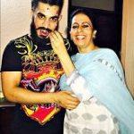 Gitaz Bindrakhia mother