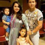 gurdeep-kohli-with-her-family