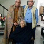 Javed Akhtar with his aunt and brother Salman