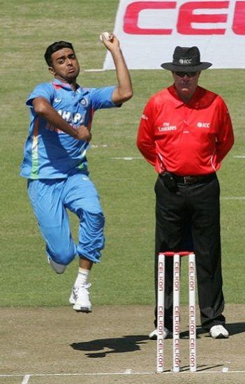 Jaydev Unadkat bowling