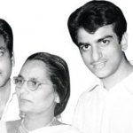 Jeetendra(left) with his brother(right) and Mother