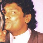 johny-lever-with-filmfare-award