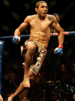 Jose Aldo fighting
