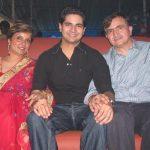 karan-mehra-with-his-parents