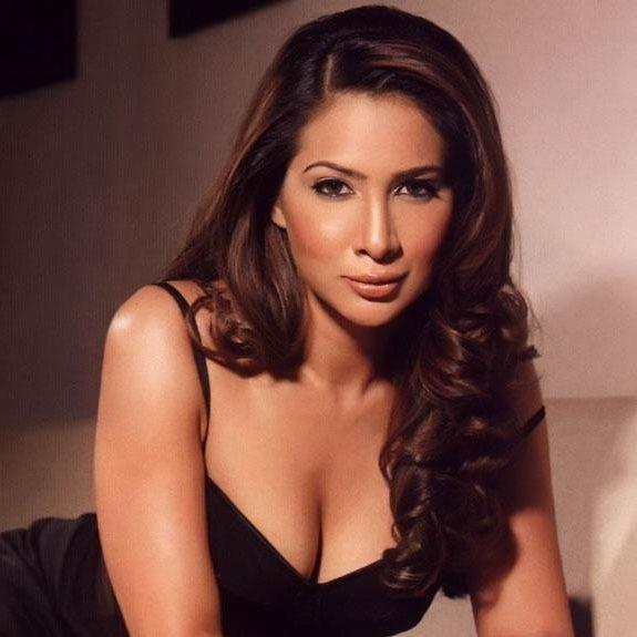 Kim Sharma profile