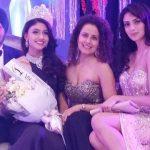 Kiran with her Keluarga (Left to Right) Father>Kiran Jassal>Mother>Sister