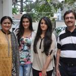 Kirti Sanon with her family