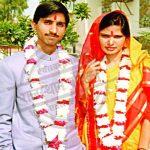 Kumar Vishwas with his wife