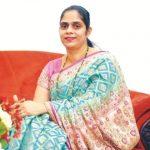 Laxmikant Parsekar wife Smita Parsekar
