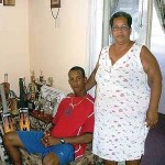 Lendl Simmons with his mother