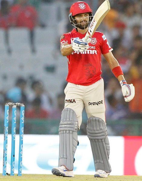 Manan Vohra batting