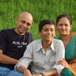 Manoj Kolhatkar with his wife  & son