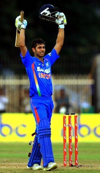 Manoj Tiwary batting