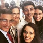 Manushi Chhillar with her family