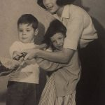 Mary Tyler Moore with her younger sister, Elizabeth Ann and son, Richie