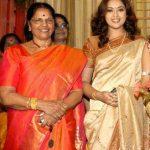 meena-with-her-mother-raj-mallika