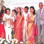 meera-jasmine-with-her-family