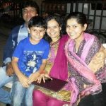 nidhi-bhanushali-with-her-family