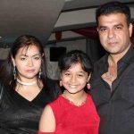nimai-bali-with-his-wife-sahila-chadha-and-daughter-princess-bali