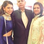 niti-with-her-parents