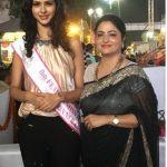 Pankhuri Gidwani with her mother