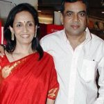 paresh-rawal-with-his-wife