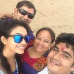 pooja-banerjee-with-her-family