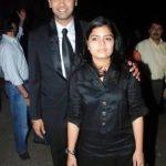poonam-mahajan-with-her-brother