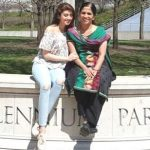 pranitha-subhash-with-her-mother