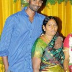 ramesh-thilak-with-his-mother