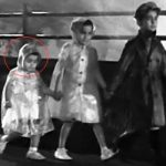 Rishi Kapoor as a toddler in the song Pyaar hua ikraar hua from Shree 420