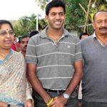 Rohan Bopanna with his parents